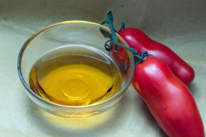 olio; pomodoro;